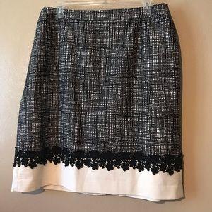Talbots skirt size 18W w/black flowered embroidery